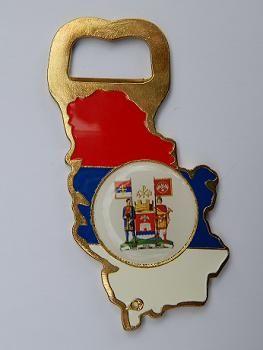 Suvenir OTVARAČ, metalni, silueta, stiker, Srbija - zastava, Niš - grb