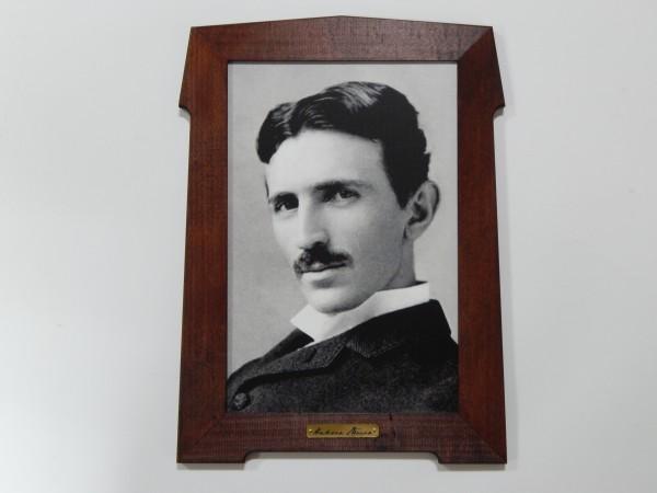 Suvenir SLIKA, stari drveni ram, 9x13 cm, foto print, Nikola Tesla 1